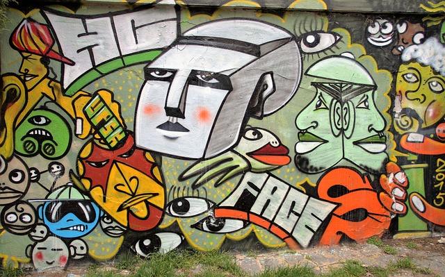zeď s grafiti