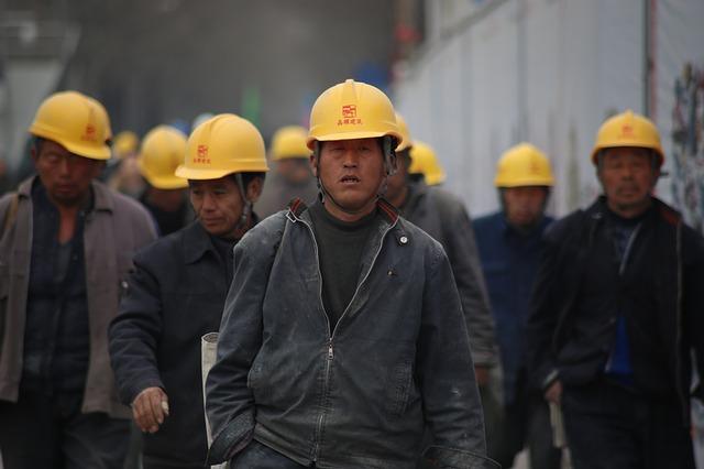 dělníci v Číně
