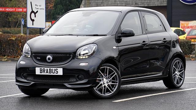 malé černé auto