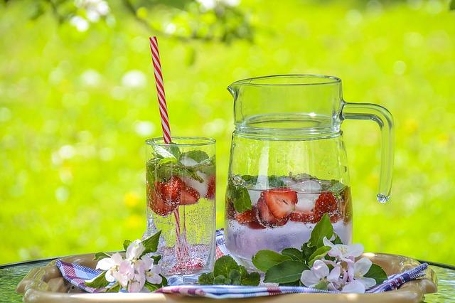 nápoj s ovocem.jpg