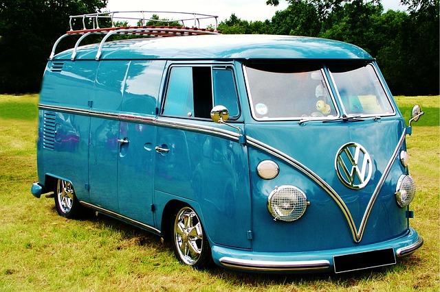 modrý volkswagen
